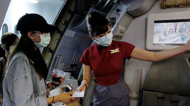 Seyahat tutkunlarına ilaç uygulama: Uçağa binip hiçbir yere gitmiyorlar