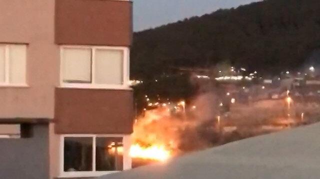 Maltepe'de asker uğurlaması yapan konvoydan atılan havai fişek askeri kışlada yangın çıkardı