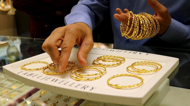 Altın fiyatlarında hareketlilik sürüyor: Gram altın 390 lira seviyelerinde