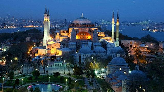 Müslümanların 89 yıllık özlemi: Türkiye Ayasofya'yı zincirlerinden kurtaracak kararı bekliyor