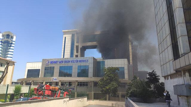 Bayrampaşa'da kültür merkezinde yangın