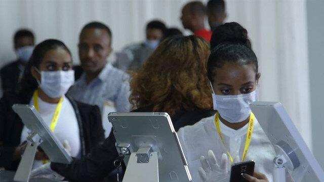 Afrika'da Kovid-19 vakalarında yüzde 28 artış yaşandı: Ölü sayısı da 10 bini geçti