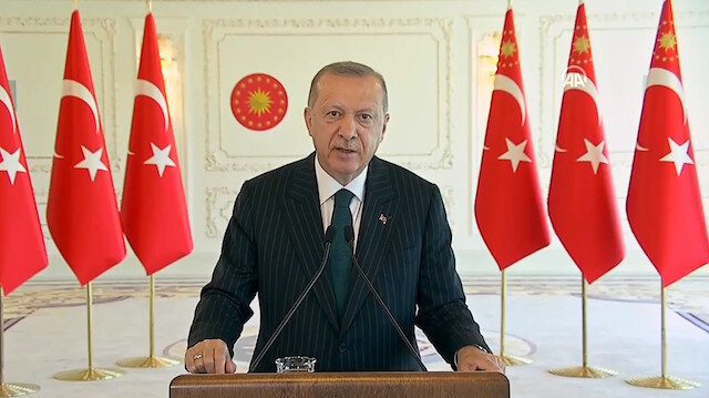 Cumhurbaşkanı Erdoğan: Türkiye salgınla mücadeleden alnımızın akıyla çıktık