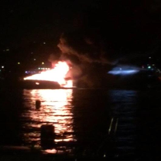 İstanbul Boğazında tekne alev alev yandı