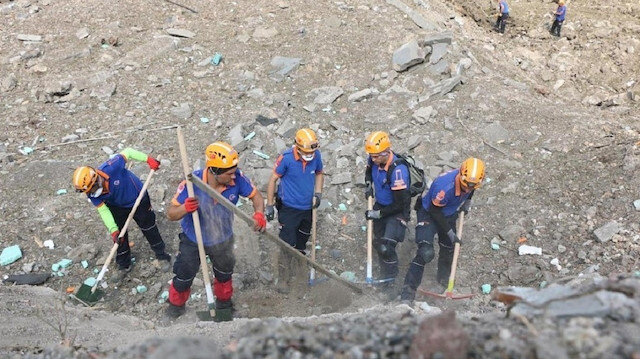 Sakarya Hendek'teki patlamanın 4'üncü gününde çalışmalara hızla devam ediyor: Bir kişinin daha kimliği belirlendi