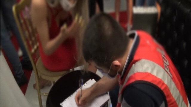 Koronaya rağmen tekne partisi pahalıya patladı: 154 bin TL ceza yediler