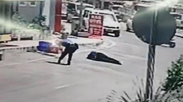 Antalya'da kahraman polis yaralanmasına rağmen peşini bırakmadığı saldırganı etkisiz hale getirdi