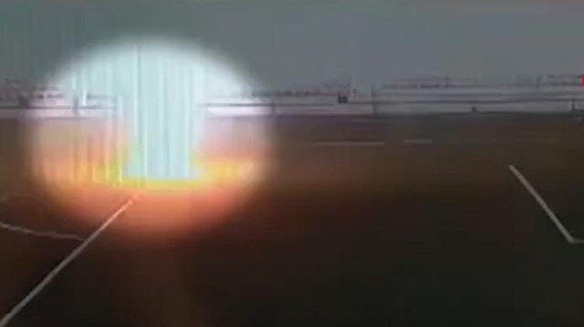 Rusya'da maç öncesi ısınan futbolcuya yıldırım düşme anı kamerada