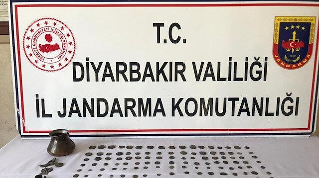 Diyarbakır'da Roma ve İslami döneme ait 168 tarihi eser ele geçirildi: Operasyonda 2 kişi gözaltına alındı
