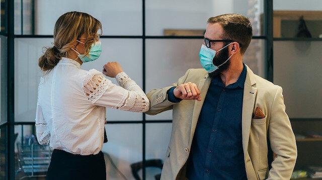 Bilim insanları açıkladı: Maske takmak ve sosyal mesafe riski ne kadar azaltıyor?