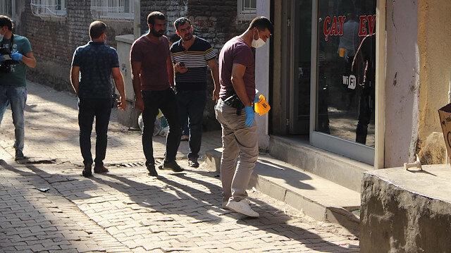 Diyarbakır'da saldırgan kahvehanede 3 kişiyi kurşunladı, kaçarken 5 yaşındaki çocuğu da öldürdü