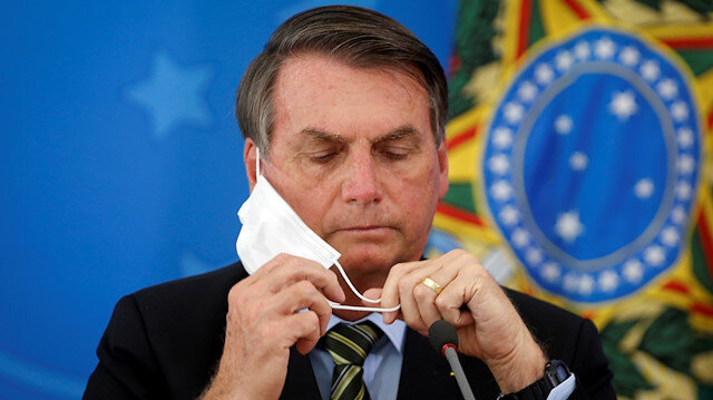 Brezilya Devlet Başkanı Bolsonaro önce 'basit bir grip' dedi koronavirüse yakalandı şimdi ise yerli halk için salgın yardımını veto etti