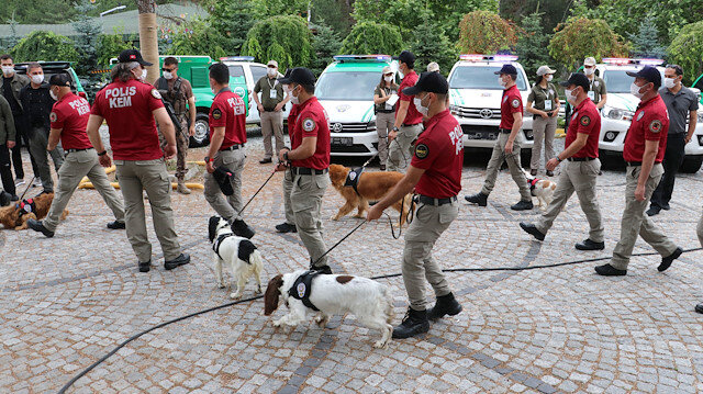 Sokak hayvanları Türk polisine emanet: Hasta sonu 81 ilde göreve başlıyorlar