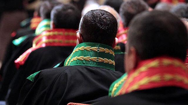 FETÖ ile irtibatlı 26 hakim ve savcı görevden uzaklaştırıldı