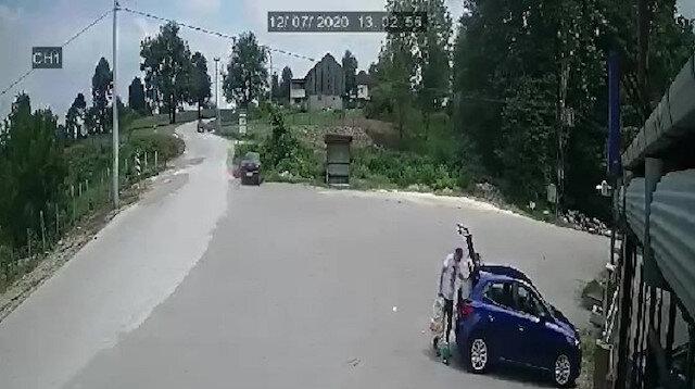 Sürücünün bir anlık dalgınlığıyla otomobil köprünün yanından dereye uçtu
