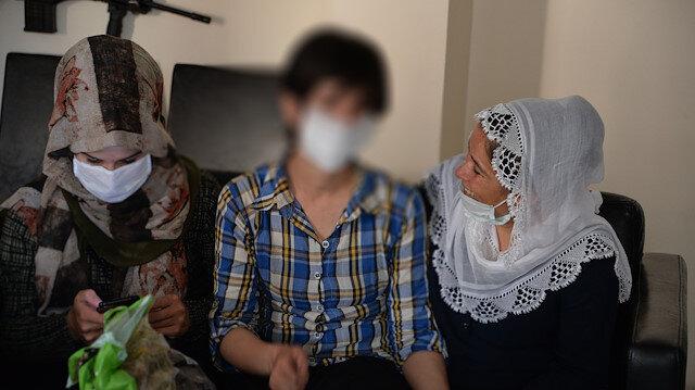 Teslim olan PKK'lı kadın terörist ailesiyle buluşturuldu