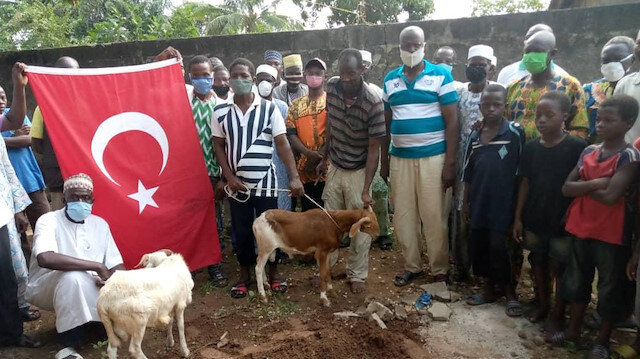 Togo'da Ayasofya'nın ibadete açılması kararıyla kurban kesildi