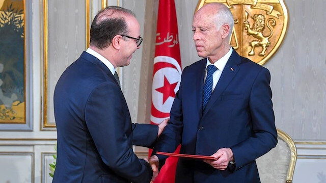 Tunus Başbakanı İlyas el-Fahfah Cumhurbaşkanı Said'e istifasını sundu
