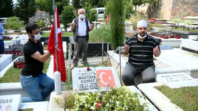 Mustafa Cambaz'ı mezarı başında dualarla andık
