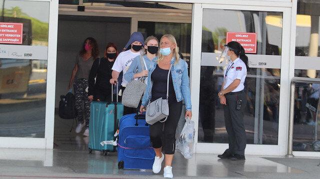 Güvenli tatilin adresi Türkiye: Koronadan kaçan İngilizler akın akın yurda geliyor