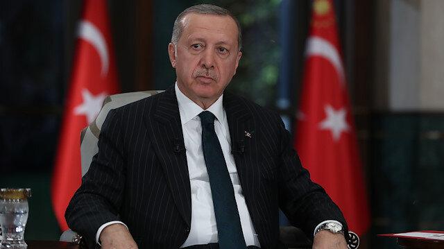 AK Parti 11 maddelik  'sosyal medya' teklifini Cumhurbaşkanı Erdoğan'a sundu