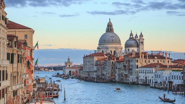Bütün yollar Venedik'e çıkar
