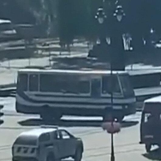 Ukraynada 20 yolcuyu rehin alan saldırgan polis dronuna ateş açtı