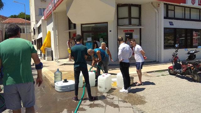 Foça'daki su sorunu vatandaşı canından bezdirdi: Hem yaşamsal hem sağlık sorunları oluşturuyor