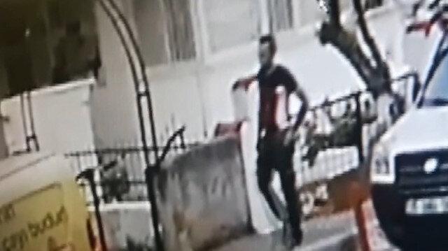 İzmir'de bıçakla önünü kestiği kadına tecavüz etmeye kalkışan sapık kamerada