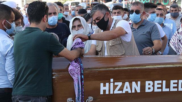 Cinayete kurban giden Pınar Gültekin Bitlis'te toprağa verildi