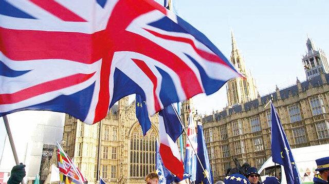 İngiltere'de sosyal medyaya ayar: Teknoloji şirketleri kendi kurallarını belirleyemez