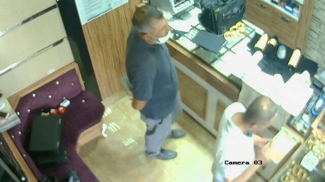 Adıyaman'da kuyumcuya giren kişi kaşla göz arasında 50 bin doları böyle çaldı