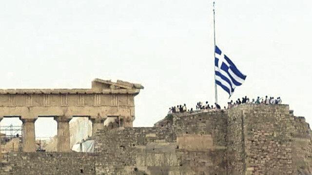Yunanistan yasta: Atina Ayasofya yüzünden çılgına döndü