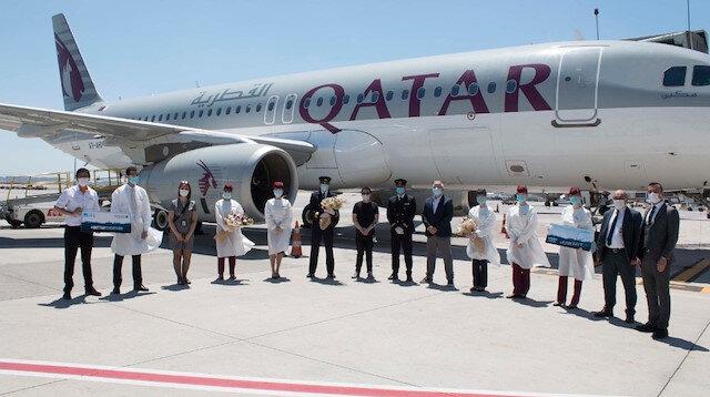 Sabiha Gökçen'de Katar uçuşları yeniden başladı: Çiçeklerle karşılandılar