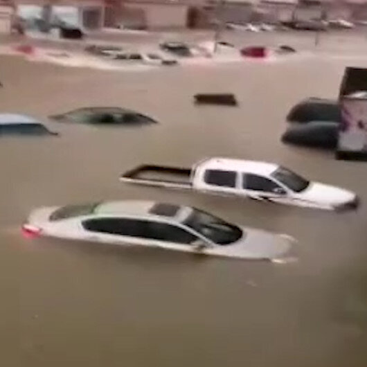Suudi Arabistanın Taif şehrini sel vurdu