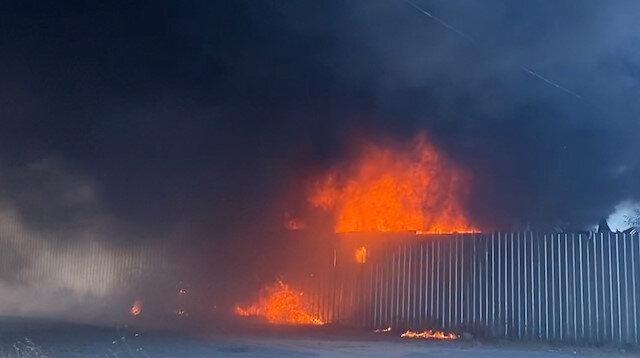 Maltepe'de hurdalıkta çıkan yangın bir saatte kontrol altına alındı