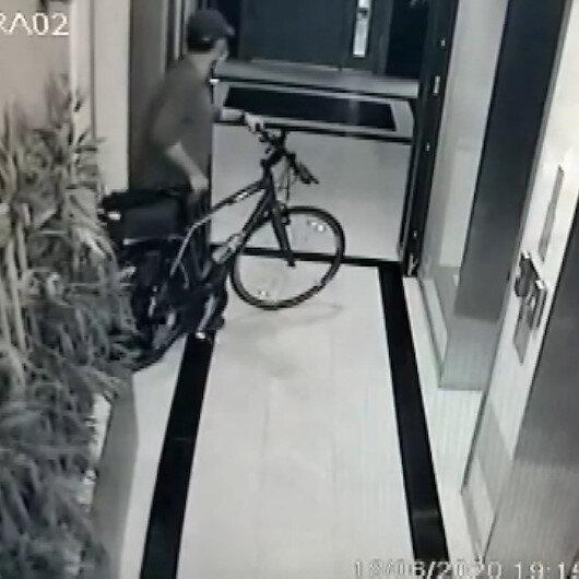 Kadıköyde bisiklet hırsızlığı güvenlik kamerasına takıldı
