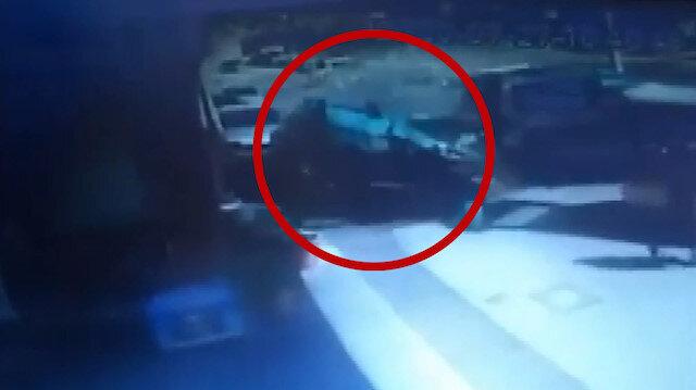 İzmir'de metrelerce takla atan otomobil sekiz araca çarparak durabildi