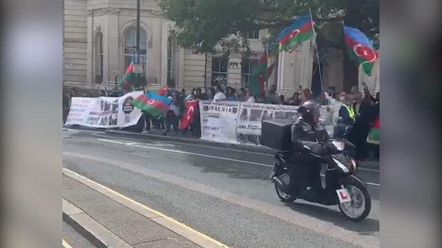 Londra'da BBC televizyonu önünde Ermenistan'ın saldırgan tutumu protesto edildi