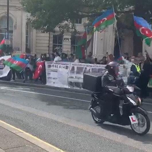 Londrada BBC televizyonu önünde Ermenistanın saldırgan tutumu protesto edildi