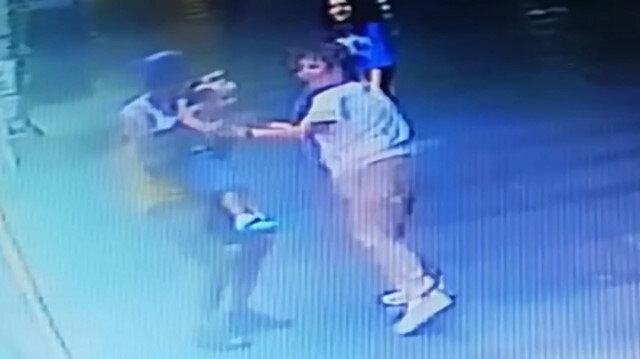 Antalya'da çocuk kaçırma girişimi güvenlik kameralarına böyle yansıdı