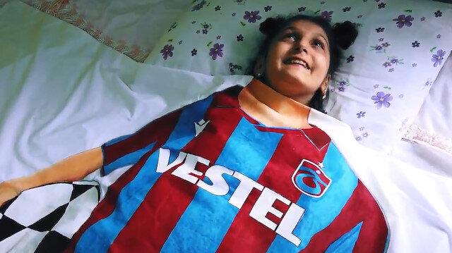 Trabzonsporun yeni sezon formasını tanıttığı video izleyenleri duygulandırdı