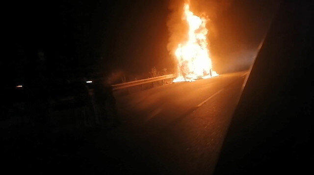 Bursa'da tanker alev alev yandı