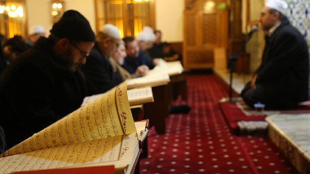 Arefe gününde oruç tutmanın fazileti nedir?
