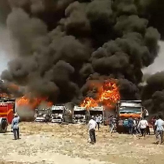 İrandaki bir otoparkta onlarca araç alev alev yandı: Çıkan yangında 4 kişinin yaralandığı belirtildi