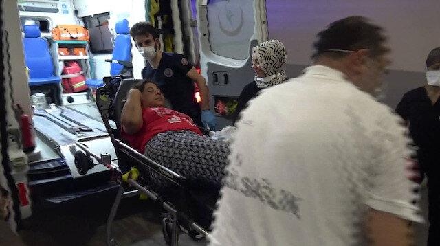 Adana'da bir kişi yanındaki kadını önce dövdü sonra da seyir halindeki araçtan attı