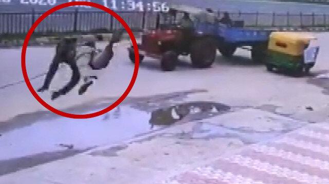 Hindistan'da yaşanan akılalmaz kaza kameraya yansıdı