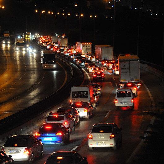 İstanbul çıkışında bayram trafiği devam ediyor
