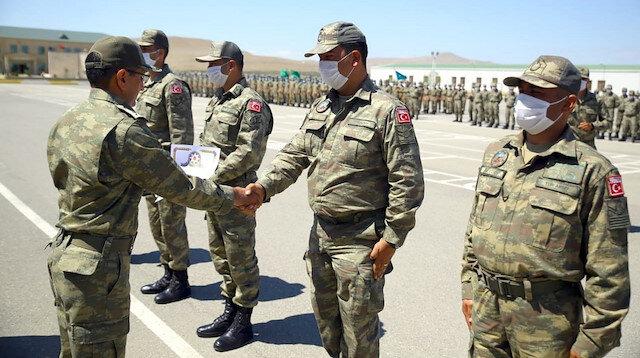 'TurAz Kartalı' tatbikatına katılan Türk ve Azerbaycan askerleri bayramlaştı