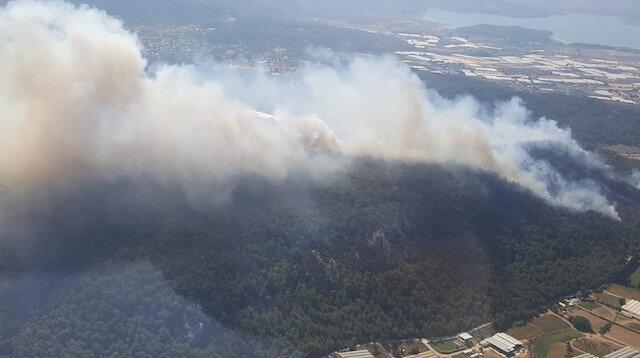 İzmir'de Bornova'nın ardından Kemalpaşa ve Menderes ilçelerinde de yangın çıktı